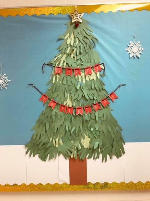 "Kindergarten says, ""Merry Christmas!"""